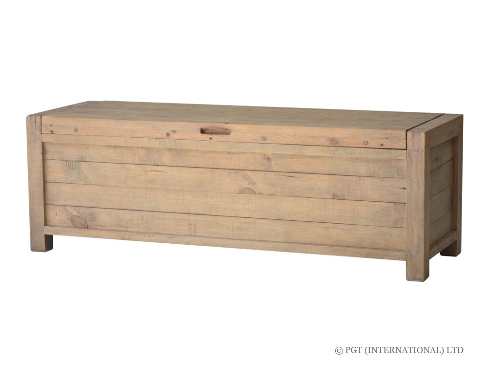 rustic post and rail blanket box